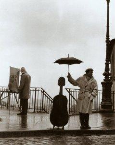 Love umbrella man's priorities!